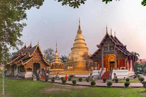 Fotografia  Royal monastery of the first grade, Wat Phra Singh Woramahaviharn, Changmai prov