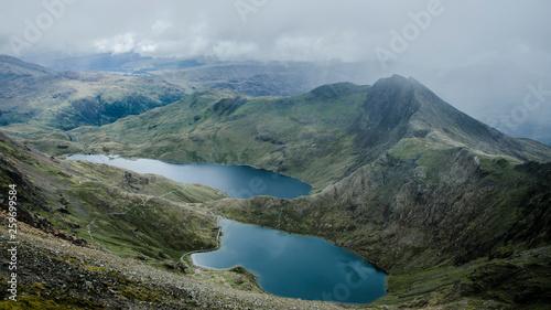 Foto auf AluDibond Blau türkis View of Snowdonia en route up Mt Snowdon, Wales, UK