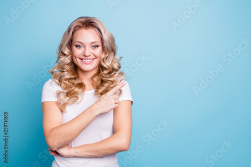 Close up photo beautiful amazing her she lady hand arm finger indicate side empt Canvas-taulu