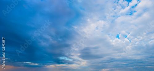 Fototapeta dramatic cloudy sky, natural background obraz na płótnie