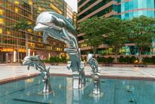 Silver Jumping Dolphin Sculptu...