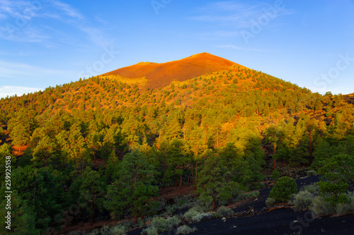 Photo Sunset Crater Volcano National Monument in Arizona, USA