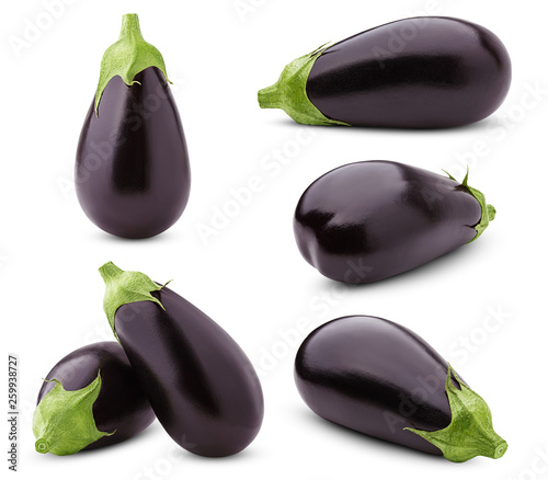 Photo eggplant isolated on white background, full depth of field