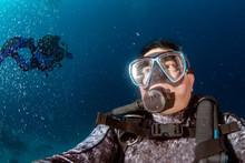 Scuba Diver Underwater Selfie ...