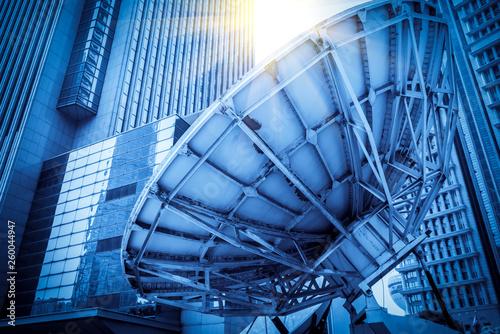 Fotografía Satellite Antenna and Urban Architecture..