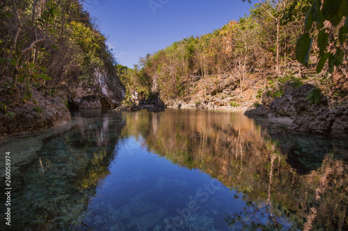 Fotografía  Lagoon sightseeing destination kinatarkan Island with crystal clear water and a