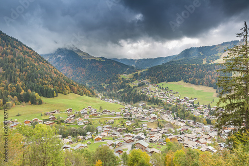 Obraz na plátne Dark storm clouds of the French Alpine town of Morzine