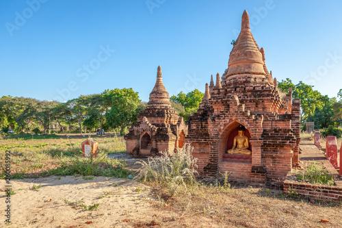 Photo  Ancient buddhist temple pagoda in Bagan, Myanmar