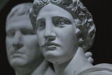 Estátuas Brancas