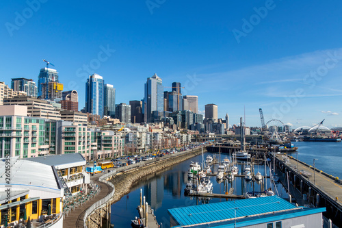 Photo  Seattle, WA - March 2019: Downtown Seattle seen from the Bell Street Pier Rooftop Deck