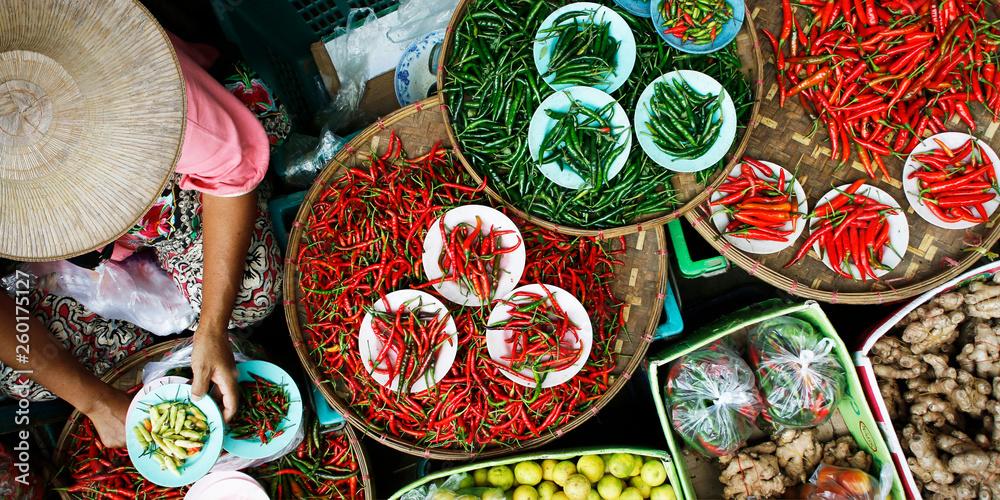 Fototapety, obrazy: Basket of dried chili pepper
