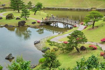 """Ogród japoński """"Gyokuseninmaru Garden"""" w Kanazawie, Japonia"""