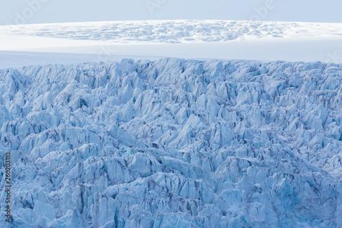 Fotografiet  details of Esmarkbreen glacier crevasses in Spitsbergen