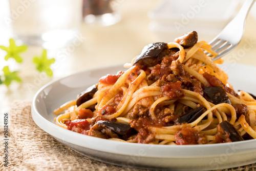 Fotomural  スパゲッティ なすとひき肉のトマトソース