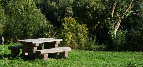 Fotografía  picknick table along Mergelland Route Limburg, The Netherlands