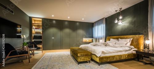 Fotografía  Master bedroom interior in luxury apartment