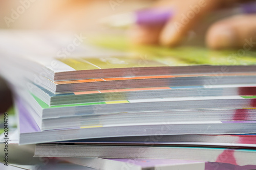 Fotografía  Businessman hands checking documents file paperwork financial market, searching information on work busy desk office