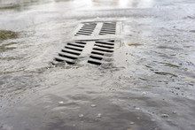 Sewers In The City, Repair Of The Water Supply, Sewer Water, Sewerage Water,water Board