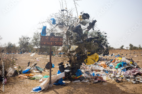Fotomural plastic pollution in Sénégal