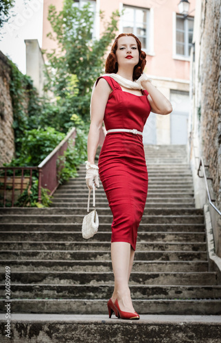 Fotografia  red haired vintage woman in Lyon, France
