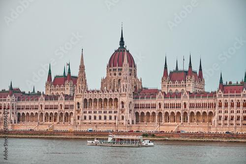 Fotografia  The Hungarian Parliament Buildin in Budapest