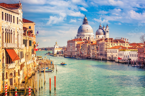 Grand Canal and Basilica Santa Maria della Salute in Venice Canvas-taulu