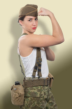 Young Woman Dressed In Ww2 American Military Uniform Show Her Biceps,