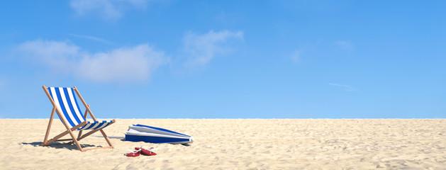 Urlaub im Sommer am Strand im Liegestuhl