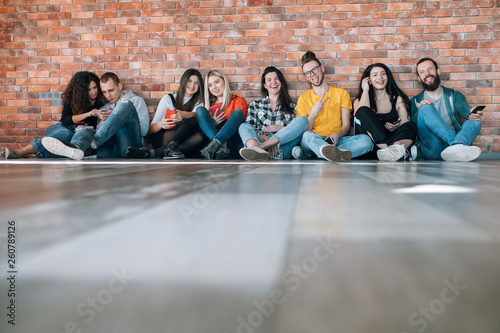 Photographie Millennials happy free spirited generation