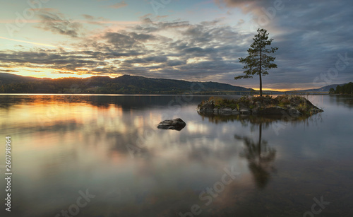 Photo sur Toile Beige Island on the lake. Mjøsa, Norway