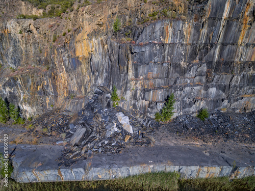Slate mine with rockfall, top view of the wall Tablou Canvas