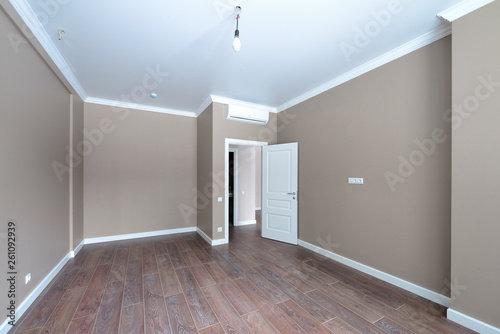 Empty room after repairs in an apartment building Canvas Print