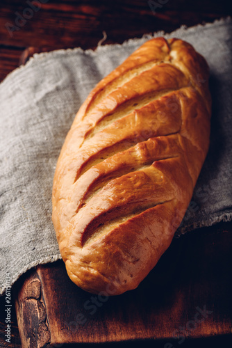 Fotografía  A loaf of bread on a table