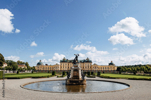 Foto auf AluDibond Stockholm Stockholm Palace or the Royal Palace, view from the fountain at park, Sweden