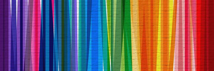 Bandes multicolores sur mur en briques