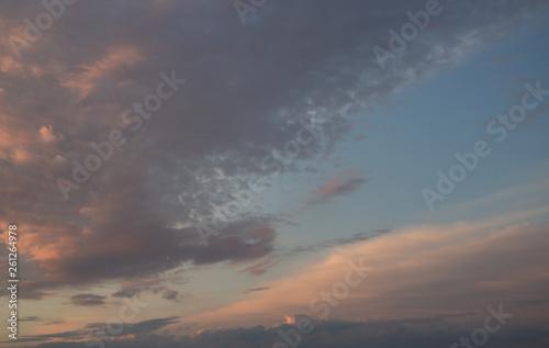 Fototapeta Beautiful sunset in the clouds, bright sun obraz na płótnie