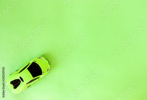 Photo  green toy sports car