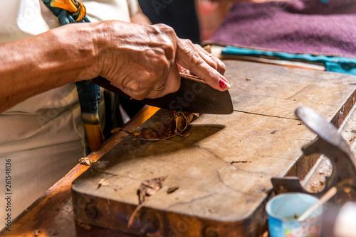 Woman making cigar - Trinidad - Cuba Canvas Print