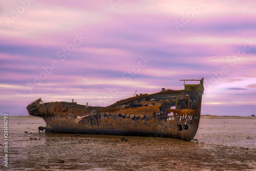 Poster Naufrage Motueka famous ship wreck all alone and abandoned