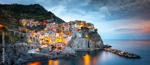 Foto auf Gartenposter Ligurien Manarola Village, Cinque Terre Coast of Italy. Manarola a beautiful small town in the province of La Spezia, Liguria, north of Italy and one of the five Cinque terre travel attractions, Sunset colors