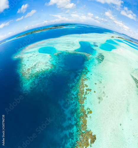 Cadres-photo bureau Recifs coralliens Aerial view Banyak Islands Sumatra tropical archipelago Indonesia, Aceh, coral reef white sand beach. Top travel tourist destination, best diving snorkeling.