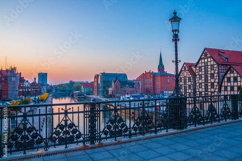 Foto auf Gartenposter Stockholm Bydgoszcz old town at amazing sunrise with reflection in Brda river. Bydgoszcz. Poland