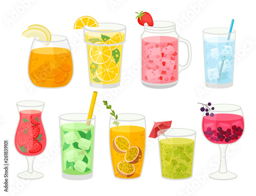 Fotomural Collection of fresh cocktails on white background.