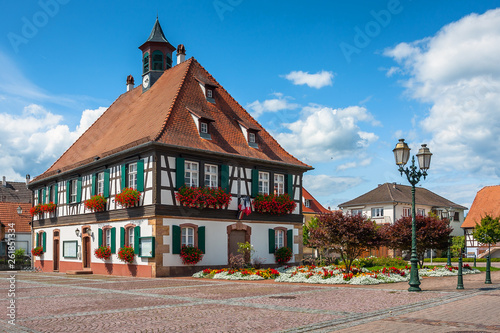 Photo Traditional half-timbered houses in the streets of the small town of Seebach in