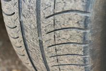Old Worn Tire, Tread Wear Indi...
