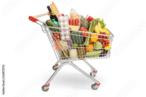Fotografia Shopping cart filled with products
