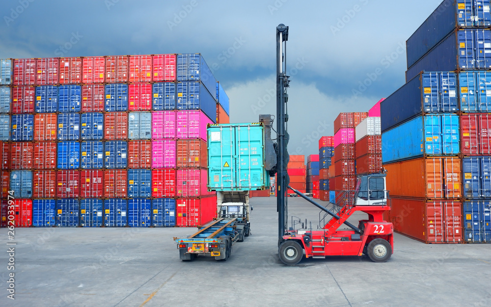 Fototapety, obrazy: Working in a container yard Container handlers
