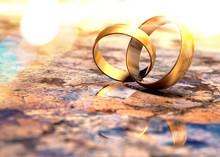 Bodegón De Anillos De Bodas De Oro. Fondo Romántico De Joyas Y Matrimonio.