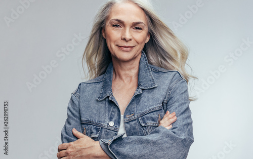 Εκτύπωση καμβά  Beautiful senior woman looking confident