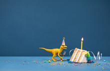 Yellow Dinosaur Eating Birthda...